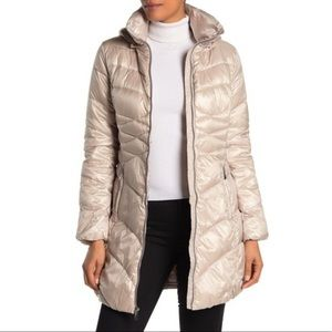 Via Spiga Quilted Puffer Jacket / Champagne